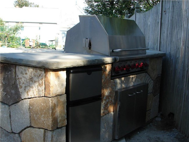 Carpenteria: DIY River Rock Outdoor Grill