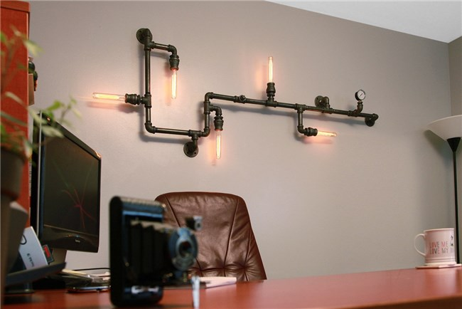 Pintar: DIY Industrial Pipe Sconce