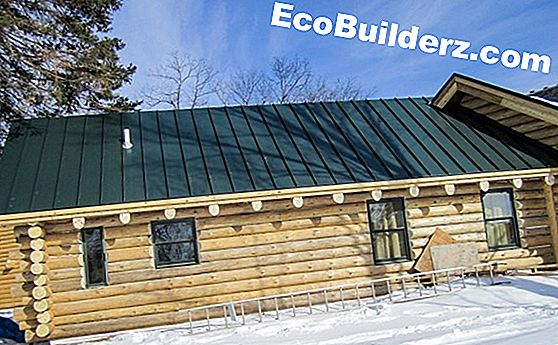 Pintar: Log Home Caulking Tips