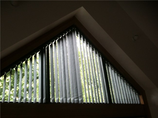 Timmerwerk: Curtain Window Treatments voor Odd Shaped Windows